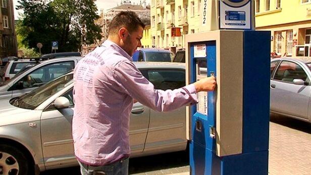 Strefa płatnego parkowania będzie czynna dopiero od 7 maja tvnwarszawa.pl
