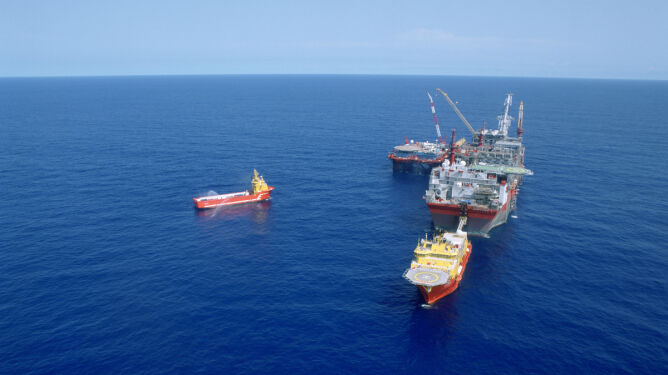 Gigantyczny wyciek ropy u brzegu Nigerii. Plama ma prawie 200 km