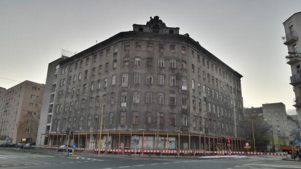 Tak wyglądała kamienica zaraz po pożarze tvnwarszawa.pl