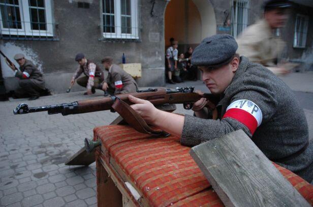 Na Woli przygotowano rekonstrukcję historyczną www.radoslaw44.pl