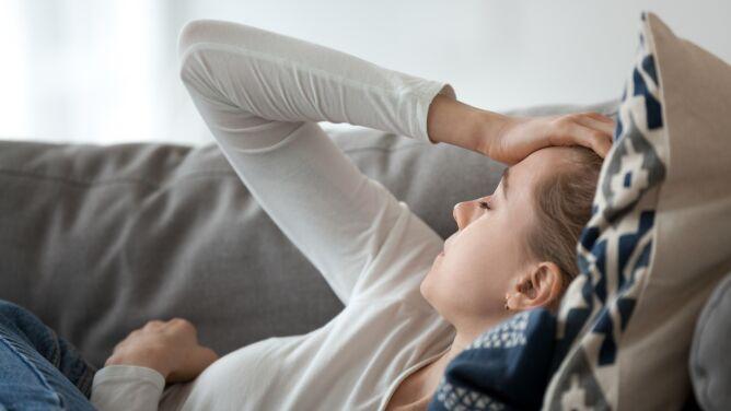 Irlandia: chroniczne zmęczenie u ponad połowy przebadanych po przebyciu COVID-19